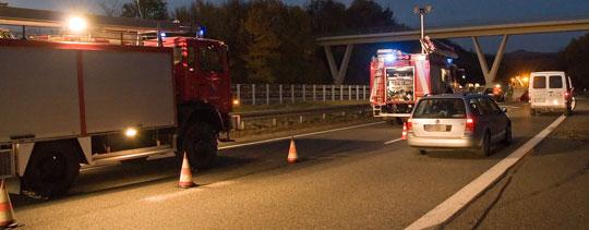 Bild: Fahrerin verlor Kontrolle über ihr Fahrzeug - Feuerwehr musste erneut zu Verkehrsunfall ausrücken