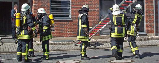 Bild: Feuer, Rauch, Hitze, Wasserdampf - Spezialtraining für Einsatzkräfte