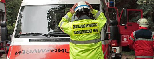 Bild: Pikrinsäurefund in Gymnasium - Brisanter Einsatz für den Gefahrstoffzug der Feuerwehr