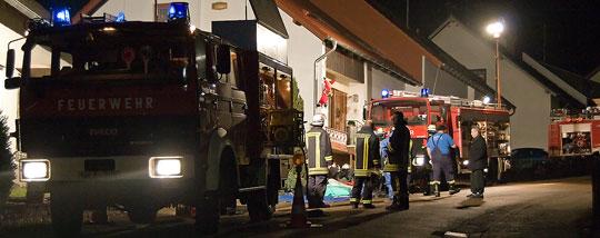 Bild: Großer Schaden durch Heizöl - Feuerwehr musste ausgelaufenes Öl aus Keller pumpen
