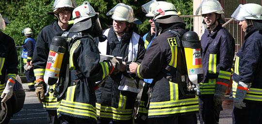 Bild: Brand in der Pfarrkirche in Humes - Gemeinsame Übung der Löschbezirke Hierscheid und Humes