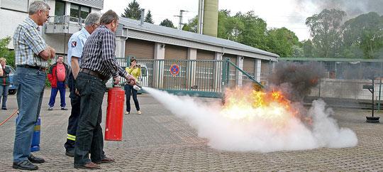 Bild: Brandschutzschulung für die Mitarbeiter der Firma Juchem