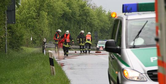 Bild: Fahrzeug überschlägt sich auf der Autobahn