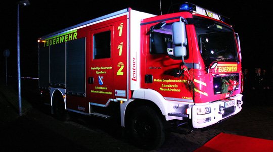 Bild: Neues Katastrophenschutz-Löschfahrzeug an den Löschbezirk Bubach-Calmesweiler übergeben
