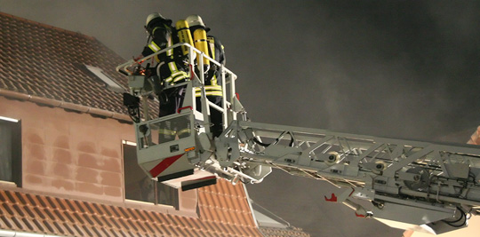 Bild: Großer Schaden und Verletzte nach Kellerbrand