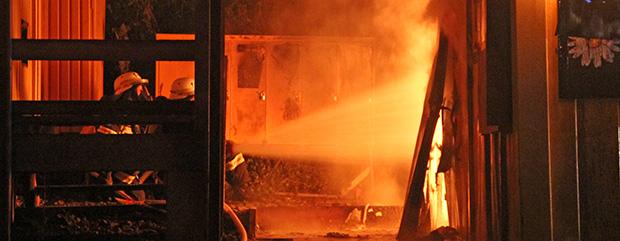 Bild: Baucontainer an der Autobahn A1 wurde Raub der Flammen