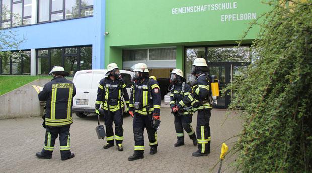 Bild: 59 Schüler durch Reizgas leicht verletzt - Gefahrstoffeinsatz an der Gemeinschaftsschule Eppelborn