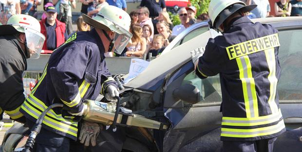 Bild: Beeindruckende Demonstrationsübung am Feuerwehrjubiläum in Eppelborn